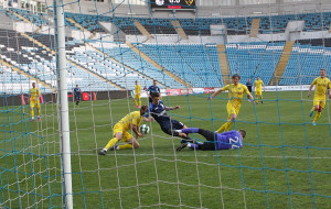 Черноморец обыграл Полесье. В концовке дважды били пенальти и скандалили с арбитром