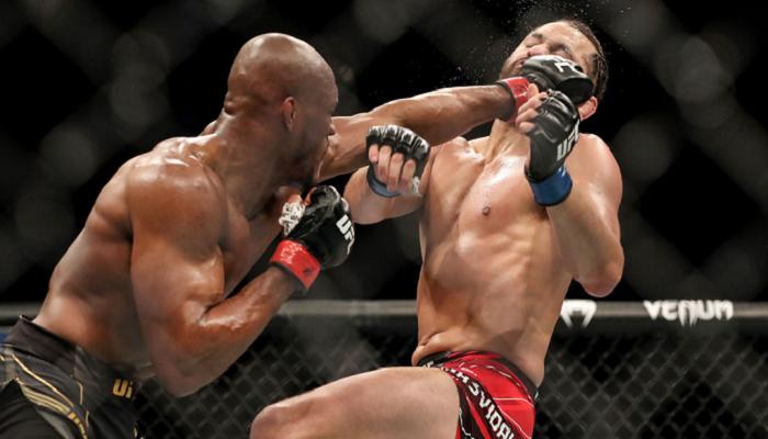 Усман ефектно нокаутував Масвідаля в мейн-івенті UFC 261