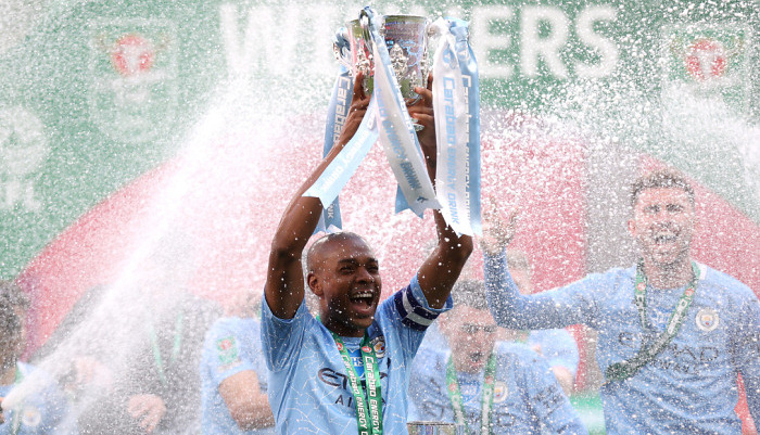 Фернандіньо продовжить контракт із Манчестер Сіті ще на рік