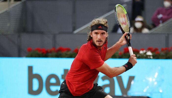 Циципас стал победителем турнира ATP в Лионе