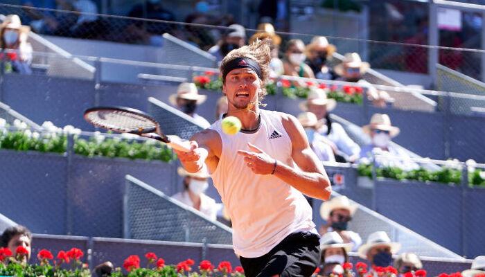 Зверев стал первым финалистом Мастерса в Мадриде
