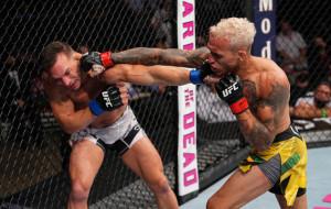 Олівейра нокаутував Чендлера і став новим чемпіоном UFC у легкій вазі