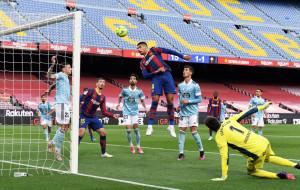 Барселона проиграла Сельте и потеряла шансы на чемпионство