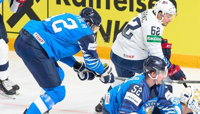 ЧМ по хоккею: Казахстан обыграл Латвию, победы Швейцарии и Финляндии