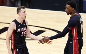 НБА. Майами обыграл Бостон и вышел в плей-офф, победы Бруклина и Лейкерс