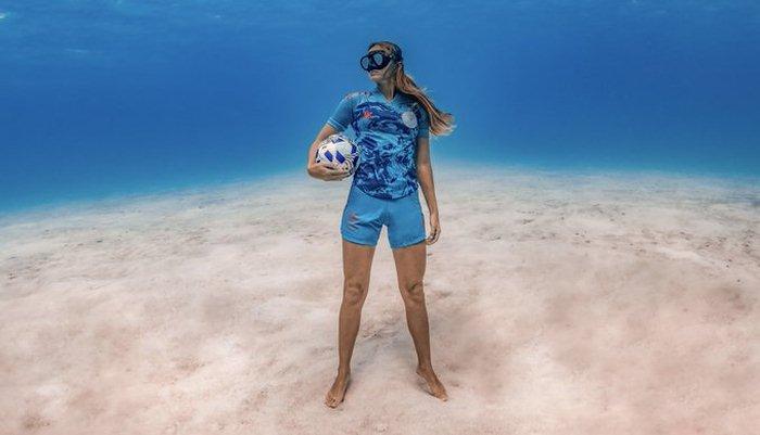 Інтер Майамі представив форму на дні океану