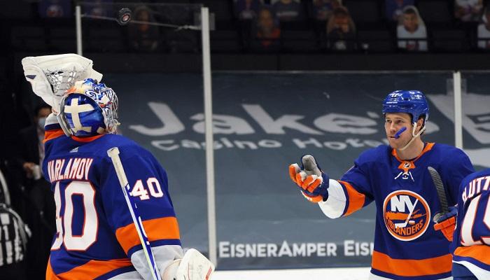 Нью-Йорк Айлендерс вышли в плей-офф НХЛ