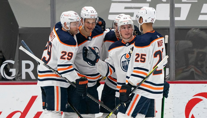 Едмонтон Ойлерз вийшли в плей-офф НХЛ