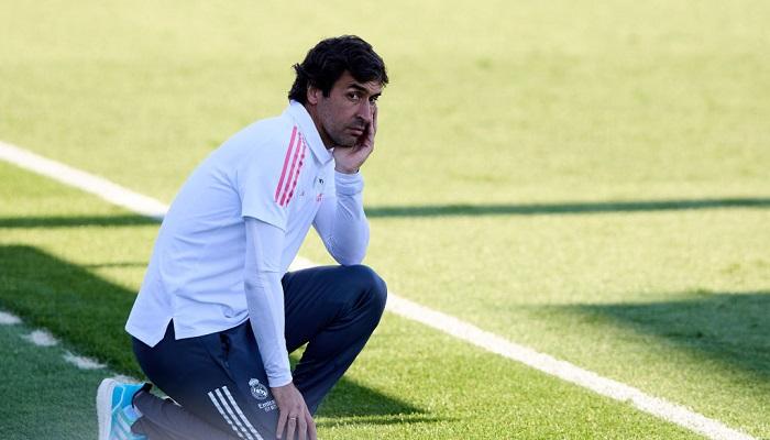 Реал обговорив з Раулем його можливе призначення головним тренером