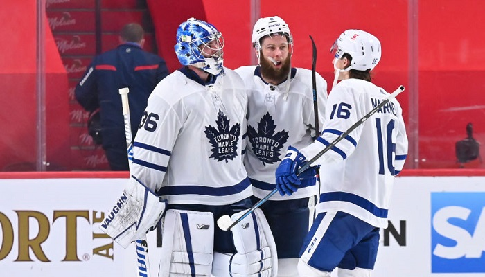НХЛ: Каролина в овертайме обыграла Нэшвилл, Торонто сильнее Монреаля