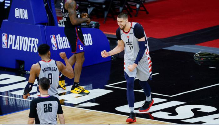 Лень набрав шість очок за Вашингтон у другому матчі плей-оф з Філадельфією