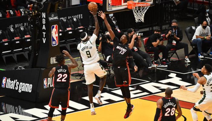 Плей-офф НБА: Мілуокі всуху виграв серію з Майамі, перемоги Портленда і Юти