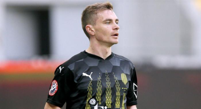 Рух продлил контракт с защитником Гагуном
