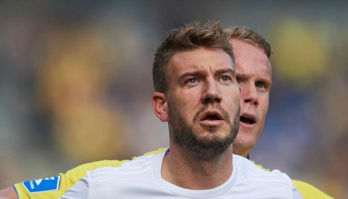 Екс-нападник Арсенала та Ювентуса Бендтнер завершив кар'єру