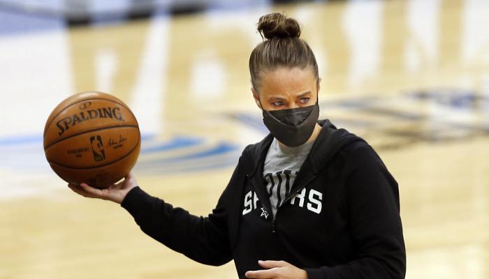 Хэммон может возглавить Портленд или Орландо. Она стала первой женщиной, которая руководила командой НБА