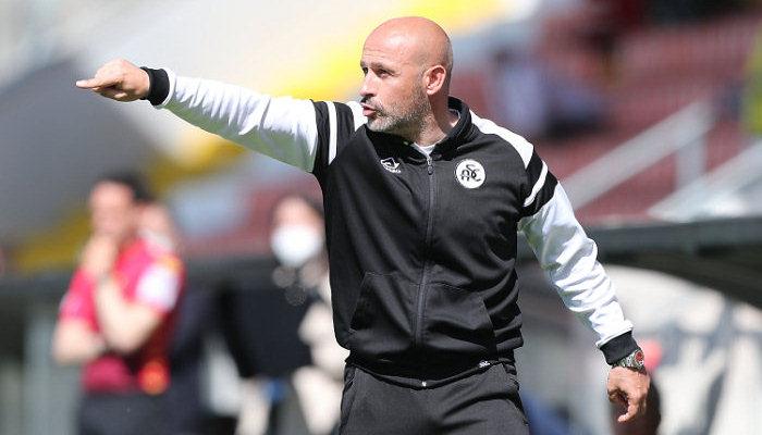 Специя продлила контракт с главным тренером Итальяно