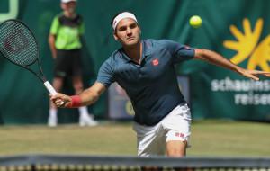 Федерер проиграл Оже Альяссиму в 1/8 финала турнира в Галле