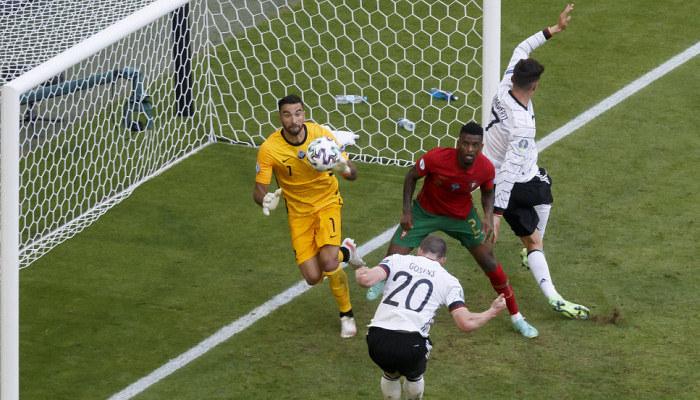 Португалія – перший чинний чемпіон, який пропустив чотири м'ячі в одному матчі Євро