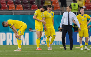 Воробей: Тренерскому штабу сборной Украины необходимо отложить пряник и взять кнут