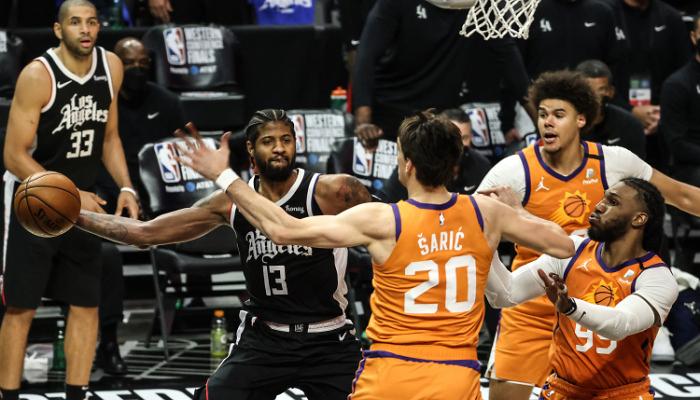 Плей-оф НБА. Кліпперс здобули першу перемогу над Фініксом