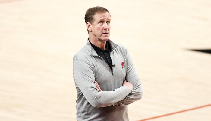 Стоттс покинул должность главного тренера Портленда