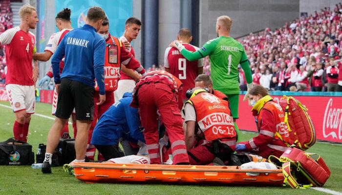 Эриксена доставили в больницу. Его состояние стабилизировалось