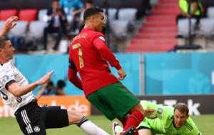 Роналду повторил рекорд Клозе по количеству голов на чемпионатах Европы и мира