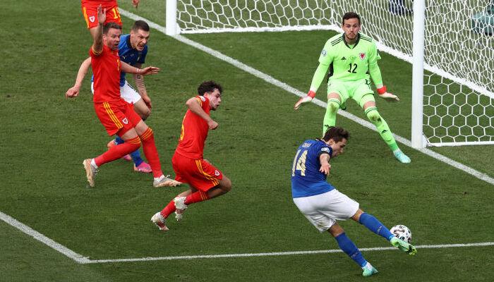Италия победила Уэльс и вышла в плей-офф Евро-2020 с первого места группы А