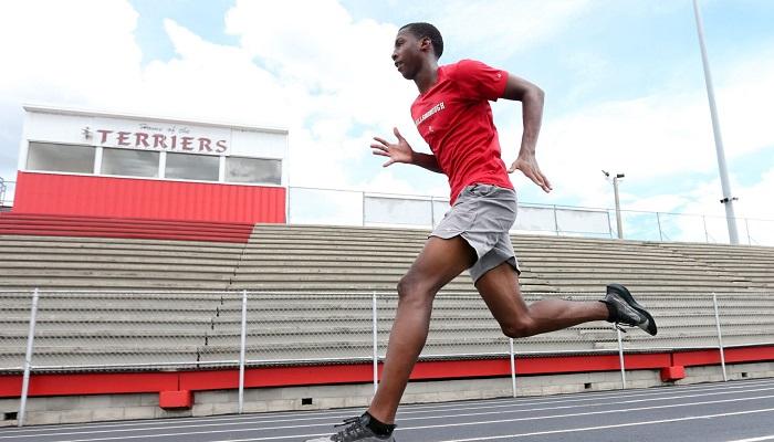 Американец Найтон побил юношеский мировой рекорд Болта в беге на 200 метров