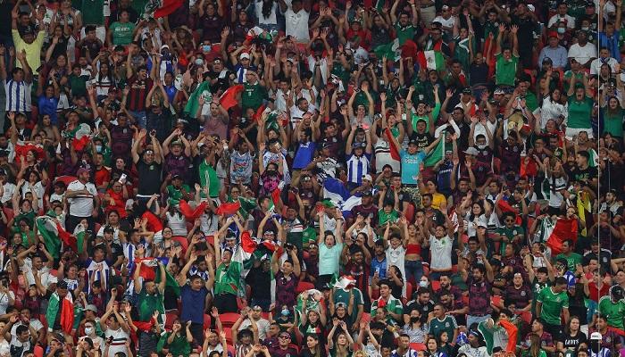 Збірна Мексики проведе два матчі при порожніх трибунах через гомофобні кричалки своїх фанатів