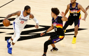 Плей-офф НБА: Финикс обыграл Клипперс, Атланта прошла Филадельфию