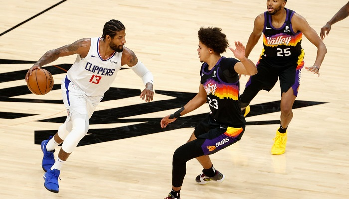 Плей-офф НБА: Фінікс обіграв Кліпперс, Атланта пройшла Філадельфію