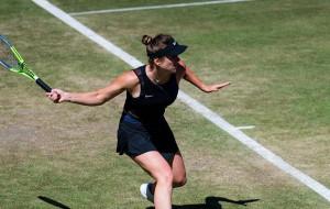 Свитолина на тай-брейке обыграла Бадосу на старте турнира в Истборне