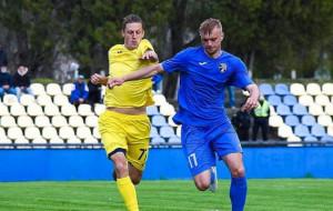 Таврия продлила контракты с вратарем Онопко и защитником Чмеленко