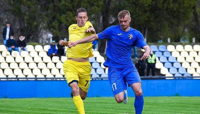 Таврія продовжила контракти з воротарем Онопко і захисником Чмеленко