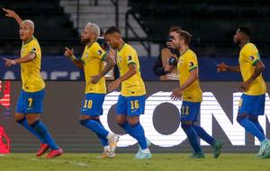 Копа Америка: Бразилия разгромила Перу, ничья Колумбии и Венесуэлы