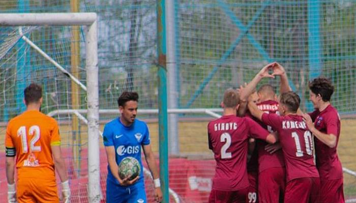 Нікополь припинив співпрацю з чотирма футболістами