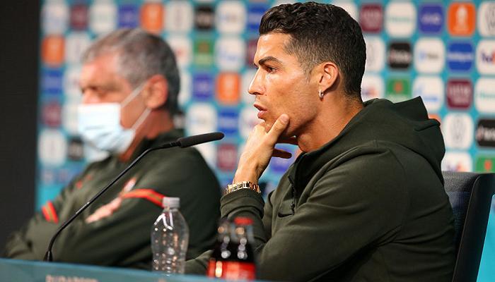 УЄФА нагадав командам Євро про необхідність дотримуватися спонсорські зобов'язання після ситуації з Роналду і Coca-Cola