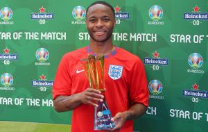 Стерлинг получил награду лучшему игроку матча Англия — Хорватия