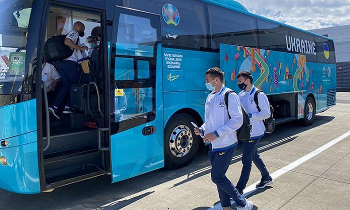 Збірна України прибула в Глазго на матч 1/8 фіналу Євро проти Швеції