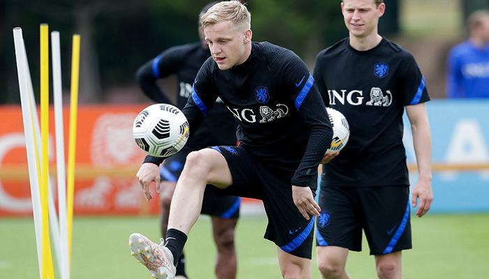 Півзахисник Нідерландів ван де Бек пропустить Євро через травму