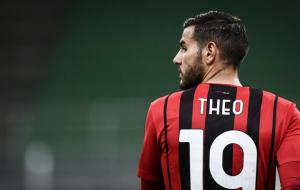 Милан хочет подписать новый контракт с Тео Эрнандесом