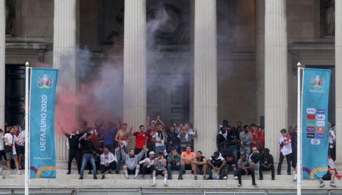 Англійські фанати напали на вболівальників збірної Італії перед фіналом Євро-2020
