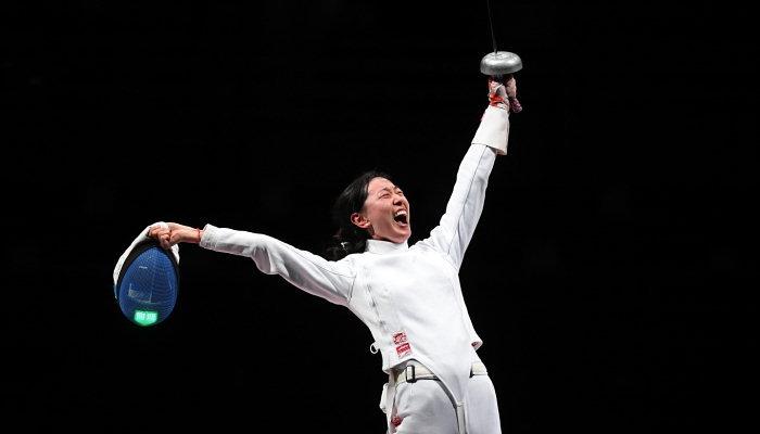 Китайская шпажистка Сунь Ивэн выиграла золотую медаль Олимпиады