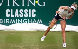 Козлова победила Костюк в первом раунде турнира в Чикаго