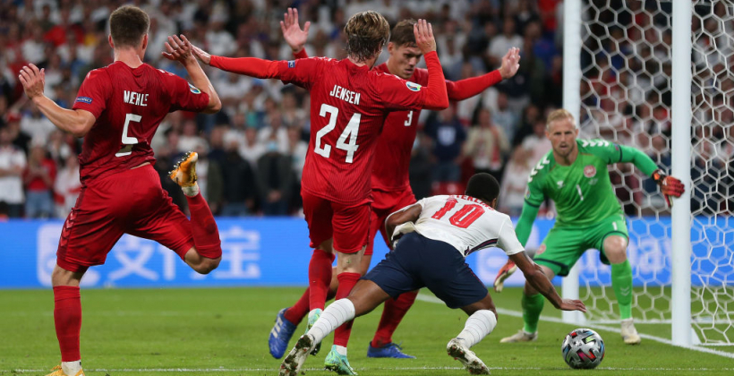 Арановський — про пенальті у ворота Данії: «Для арбітра це був очевидний фол, він впевнено призначив 11-метровий»