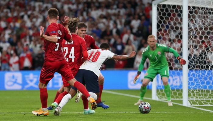 Как сборной Англии помогли выйти в финал чемпионата Европы