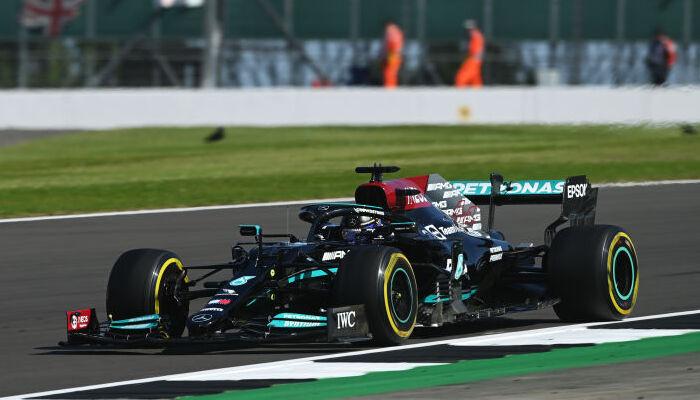 Хэмилтон выиграл Гран-при Великобритании. Ферстаппен сошел после столкновения с британцем
