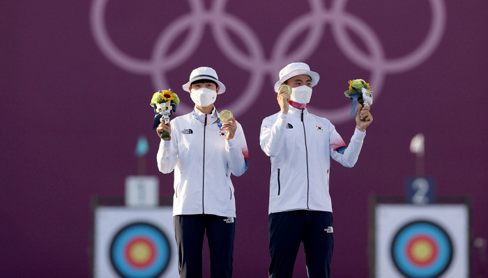 Южная Корея выиграла золото в стрельбе из лука в командном миксте