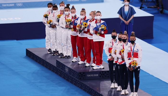 Збірна ОКР зі спортивної гімнастики виграла золото Олімпіади в жіночому багатоборстві